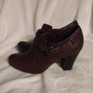 Bare Traps Glamour Brown Leather Bootie Ankle Boot